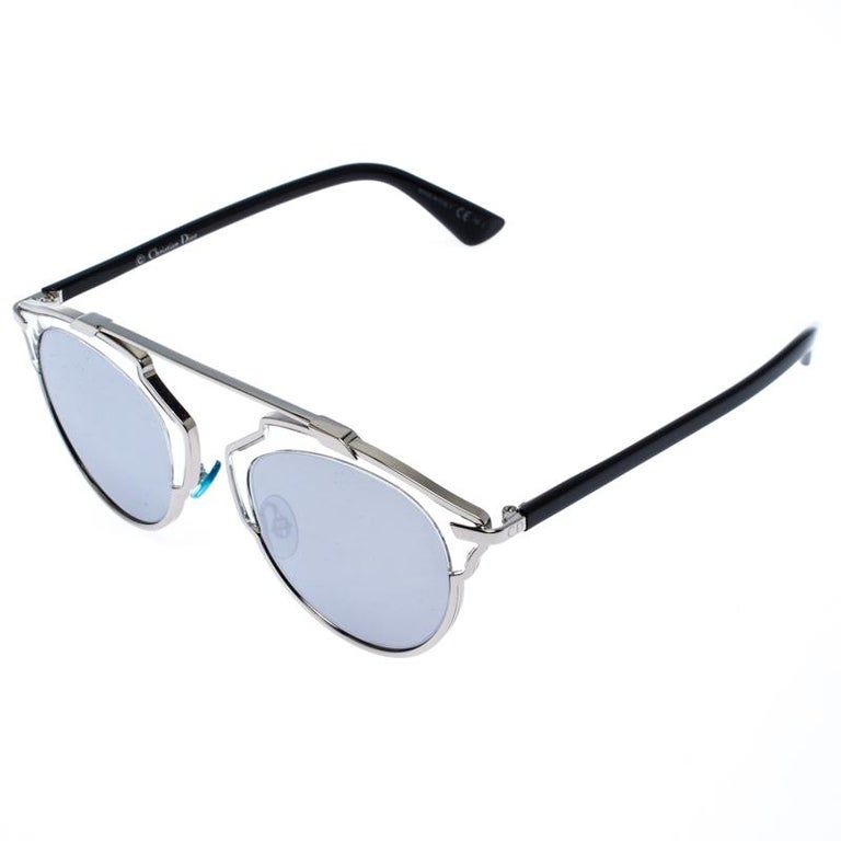 A fashionista like yourself deserves nothing but the best, like these sunglasses from Dior. Crafted to eloquently express your personal style, these sunglasses carry a silver-tone frame and the brand's signature CD logo. Stand out with its unique