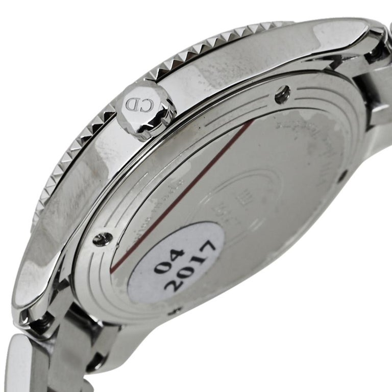 Women's or Men's Dior Silver Mother of Pearl Stainless Steel CD152110 Women's Wristwatch 32MM For Sale