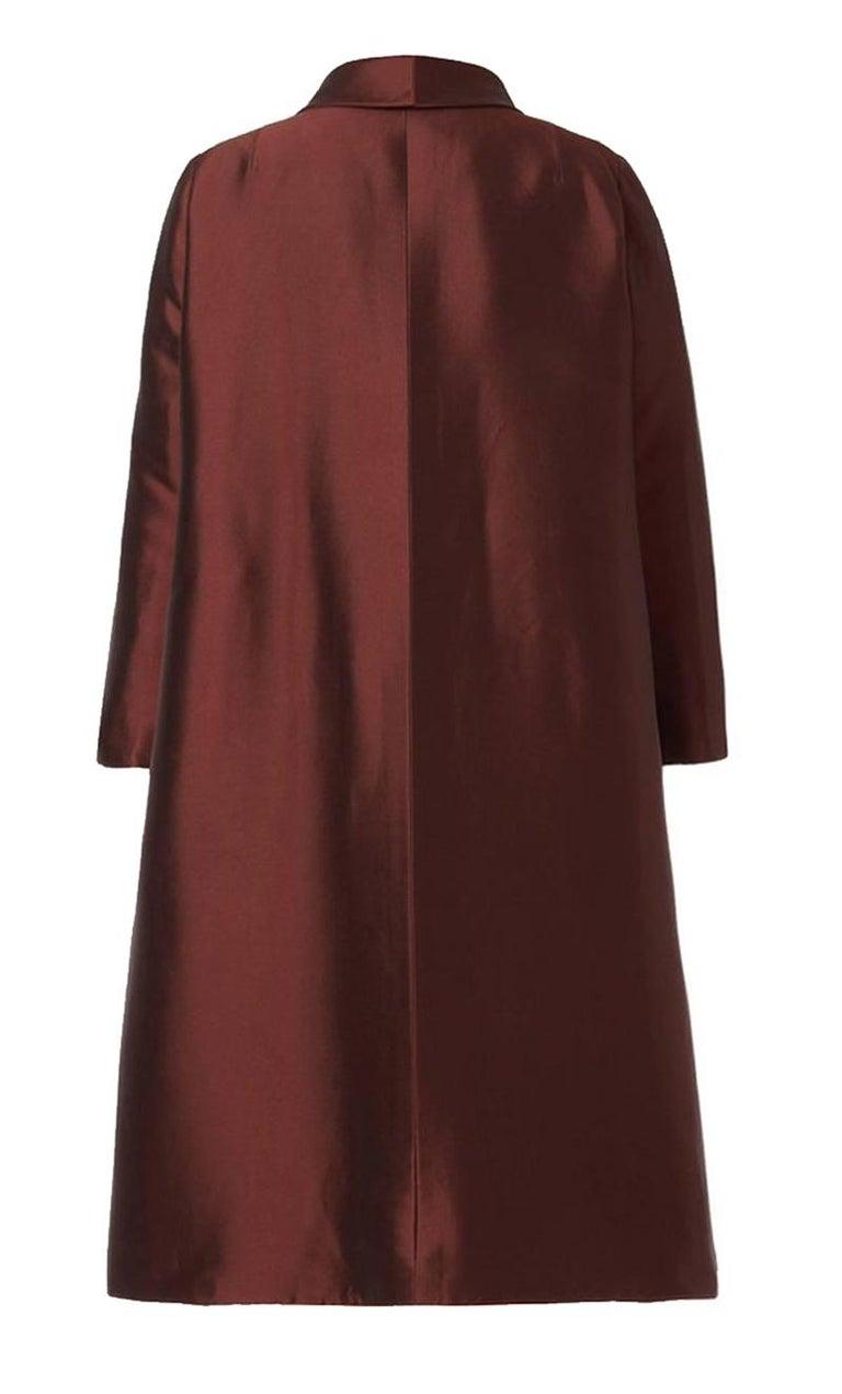 Unlabelled Dior Haute couture evening silkbrown coat, circa 1950.