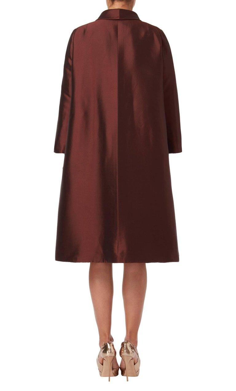 Women's Dior Unlabelled Haute couture, evening silkbrowncoat, 1950 For Sale