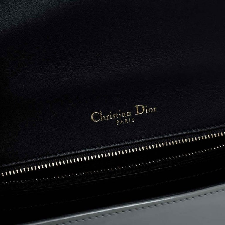 Dior White Patent Leather Small Diorama Flap Shoulder Bag For Sale 2