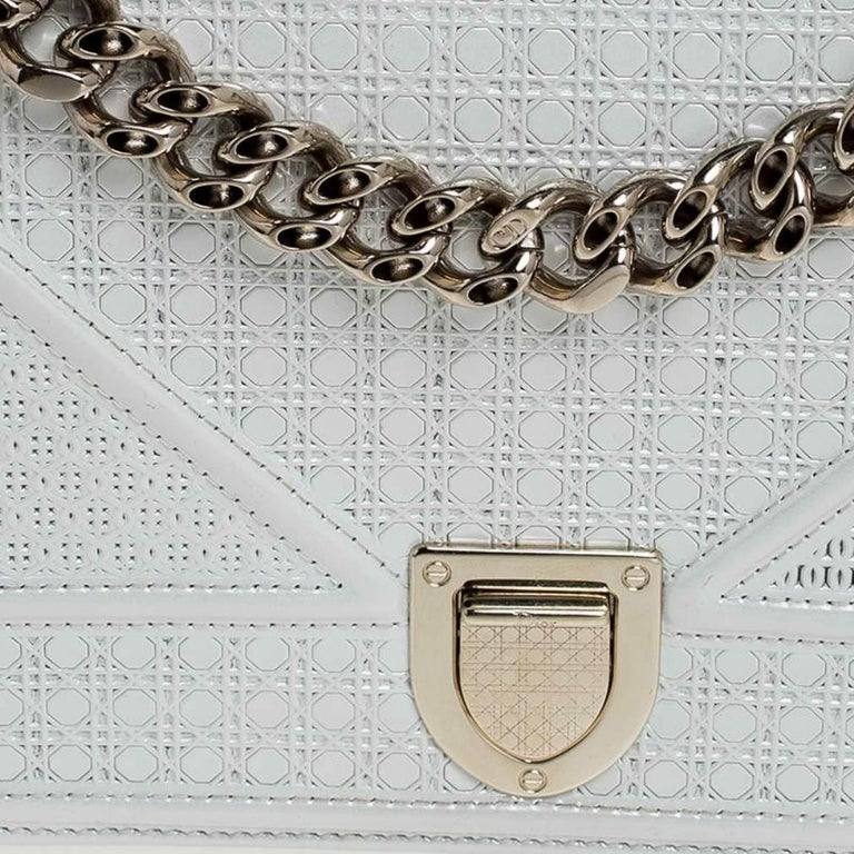 Dior White Patent Leather Small Diorama Flap Shoulder Bag For Sale 5