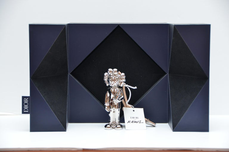 Kim Jones For Dior X Kaws Limited Edition  Perfume Holder Mini Statue   Brand  NEW with tag, blue box and white box included. Approximate Tall about 12CM or 5