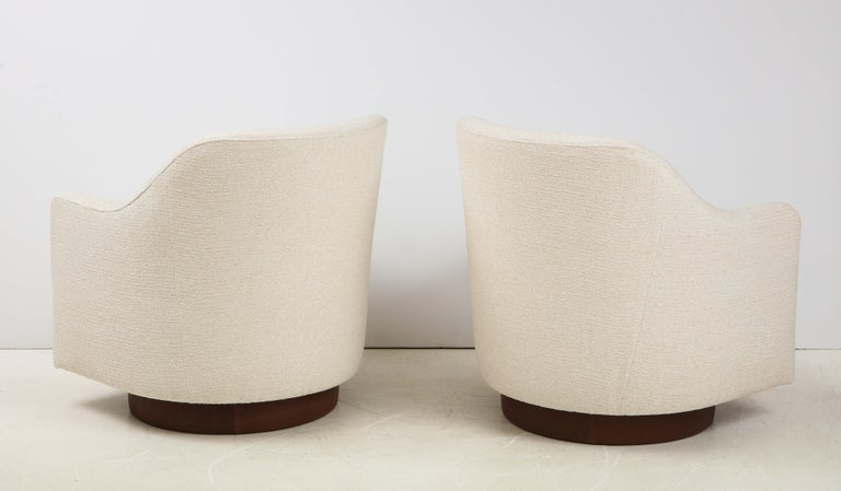 20th Century Milo Baughman/Directional Ivory Boucle Club Chairs