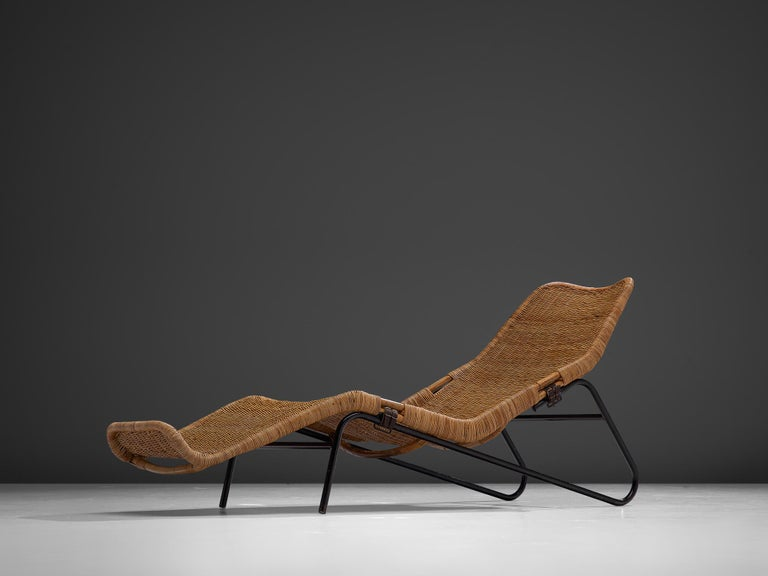 Mid-Century Modern Dirk van Sliedregt Rattan Chaise Longue For Sale