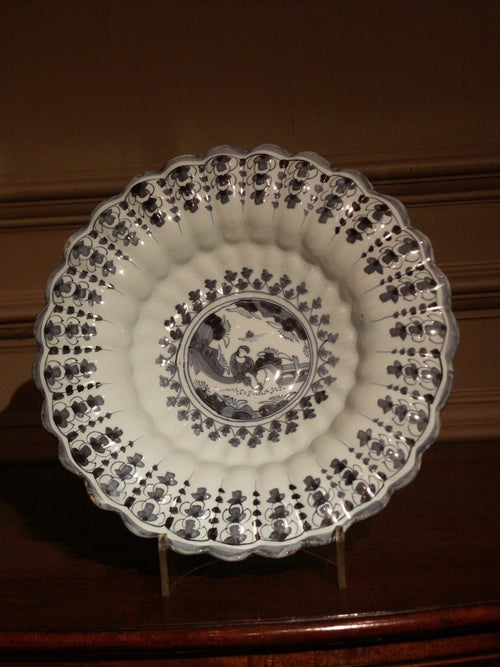 Dish delftware, 18th century, German Baroque, blue and white, fluted, pottery