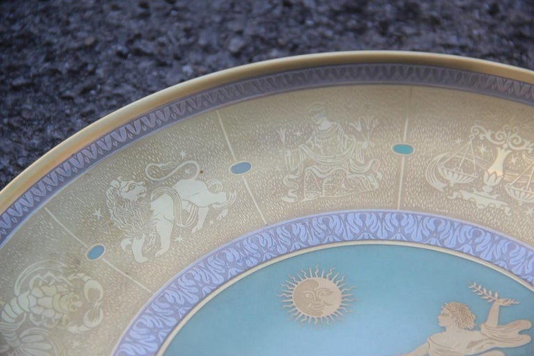 Dish in pure gold porcelain with decorations of Zodiacal signs, 1960, Italy. Arte Morbelli. Porcelain engraved to etching.