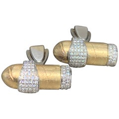 Distinctive 1.30 Carat Pave Diamond and 14 Karat Yellow Gold Cuff Links