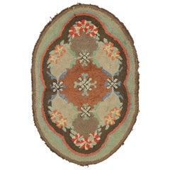 Distressed Antique American Hooked Oval Rug with American Colonial Style