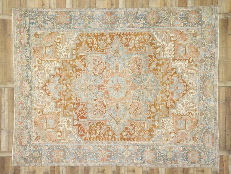 Distressed Antique Persian Heriz Design Rug with Rustic Artisan Style In Distressed Condition For Sale In Dallas, TX