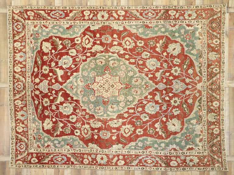 Distressed Antique Persian Mahal Design Rug with English Manor Chintz Style In Distressed Condition For Sale In Dallas, TX