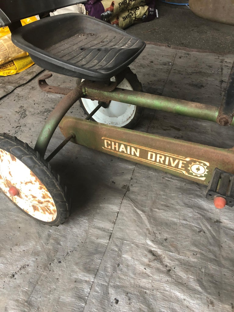 Distressed Charming Old Child's Pedal Tractor Toy In Distressed Condition For Sale In Hopewell, NJ