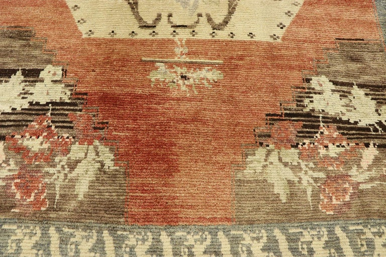 Distressed Vintage Turkish Oushak Accent Rug with Rustic Farmhouse Style In Distressed Condition In Dallas, TX
