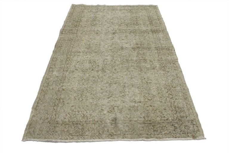 51932, distressed vintage Turkish rug with Rustic Farmhouse style and warm colors. This distressed vintage Turkish Sivas rug with rustic farmhouse style features an inconspicuous all-over botanical pattern. From the distressed composition to the