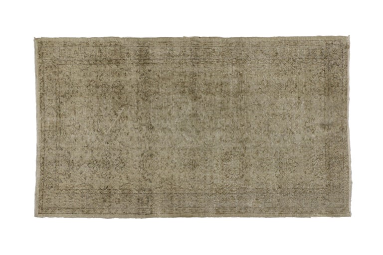 Distressed Vintage Turkish Rug with Rustic Farmhouse Style and Warm Colors In Distressed Condition For Sale In Dallas, TX
