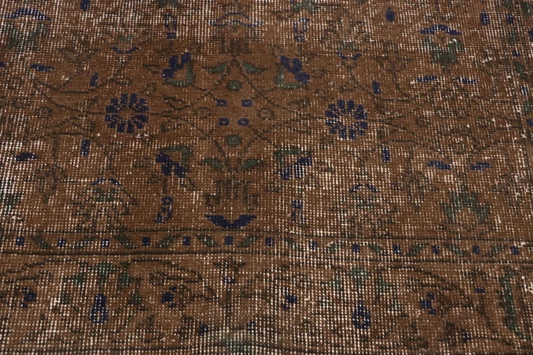 Distressed Vintage Turkish Sivas Rug with Rustic Organic Modern Farmhouse Style  In Distressed Condition For Sale In Dallas, TX