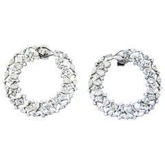 Divas Dream, Tosca, Diamonds Set in 18 Karat White Gold in a Shell Shape