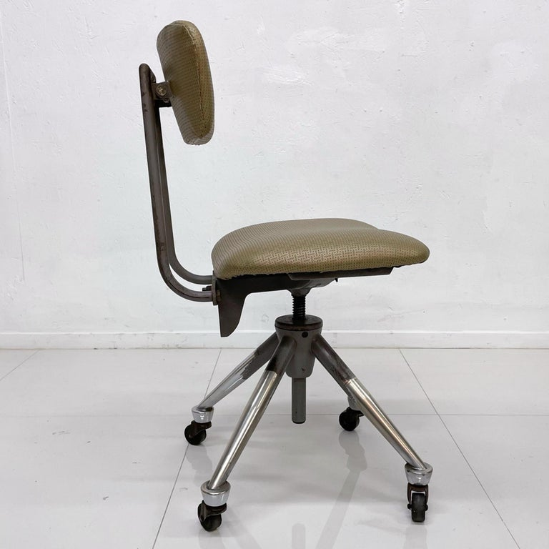 Do More Office Chair Mid-Century Modern Industrial, USA In Fair Condition For Sale In National City, CA