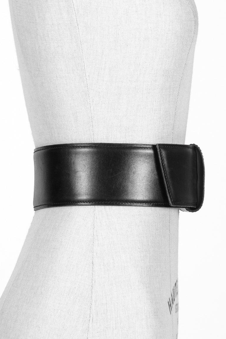 Women's Film Documented F/W 1984/85 AZZEDINE ALAÏA PARIS Black Smooth Leather Waist Belt For Sale