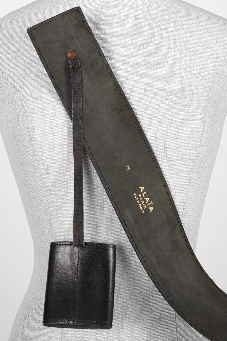 Film Documented F/W 1984/85 AZZEDINE ALAÏA PARIS Black Smooth Leather Waist Belt For Sale 3