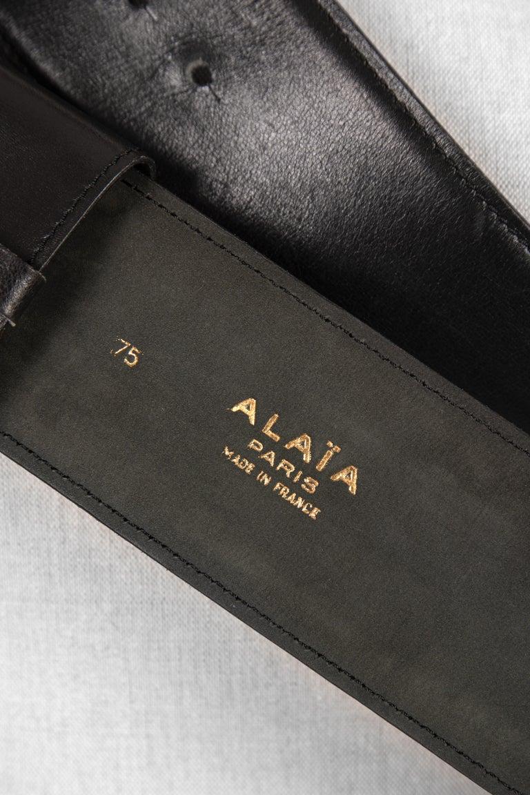 Film Documented F/W 1984/85 AZZEDINE ALAÏA PARIS Black Smooth Leather Waist Belt For Sale 4