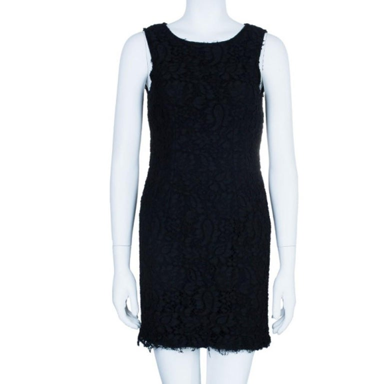 Dolce and Gabbana Black Lace Shift Dress M In Excellent Condition For Sale In Dubai, Al Qouz 2