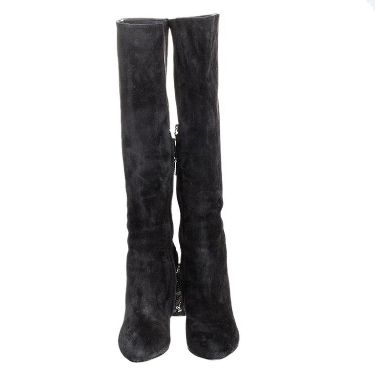 Dolce and Gabbana Black Suede Knee Length Boots Size 39 In Good Condition For Sale In Dubai, Al Qouz 2