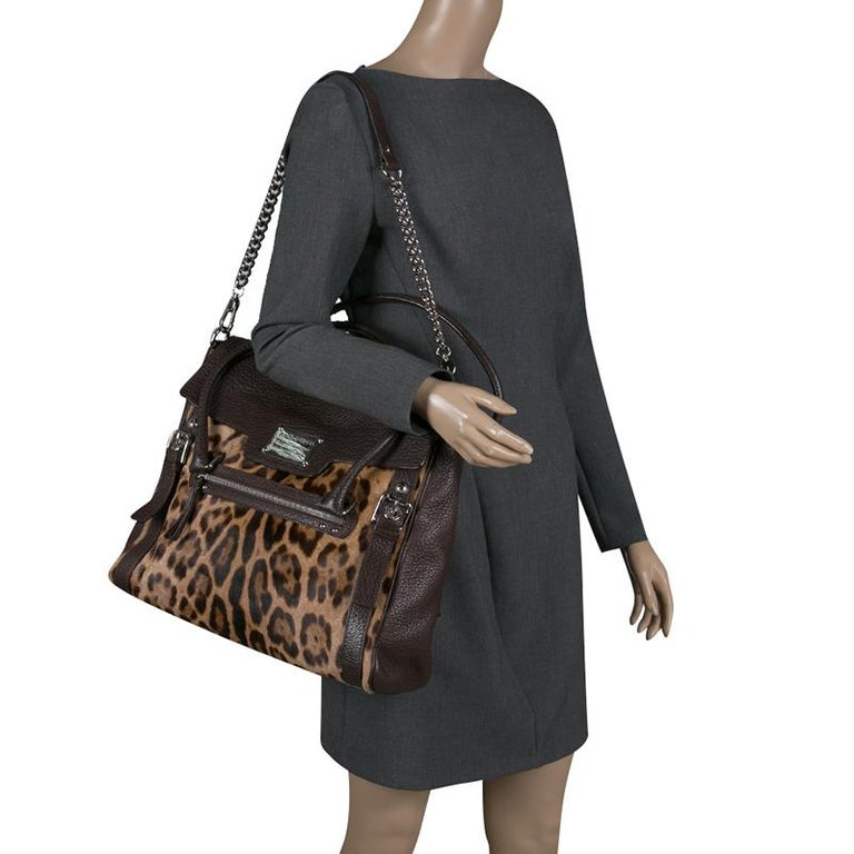 Dolce and Gabbana Dark Brown Leopard Print Leather and Calf Hair Top Handle Bag In Excellent Condition For Sale In Dubai, Al Qouz 2