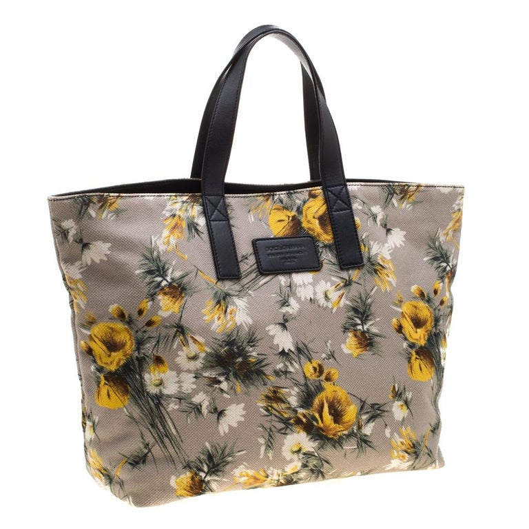 Dolce and Gabbana Floral Printed Canvas and Leather Tote In Excellent Condition For Sale In Dubai, Al Qouz 2
