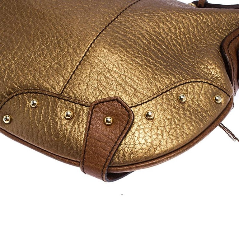 Dolce and Gabbana Gold Leather Shoulder Bag For Sale 4