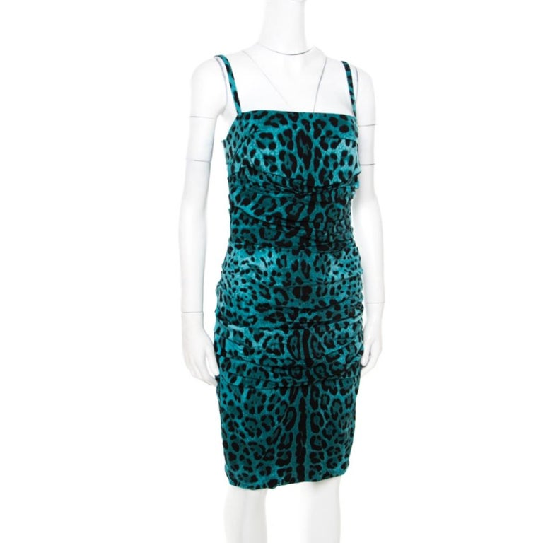 Dolce and Gabbana Green Leopard Printed Silk Sleeveless Ruched Cocktail Dress S In Good Condition For Sale In Dubai, Al Qouz 2