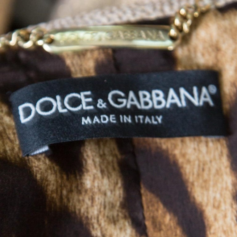 Dolce and Gabbana Matte Gold Cloque Faux Pearl Embedded Button Front Blazer M For Sale 3