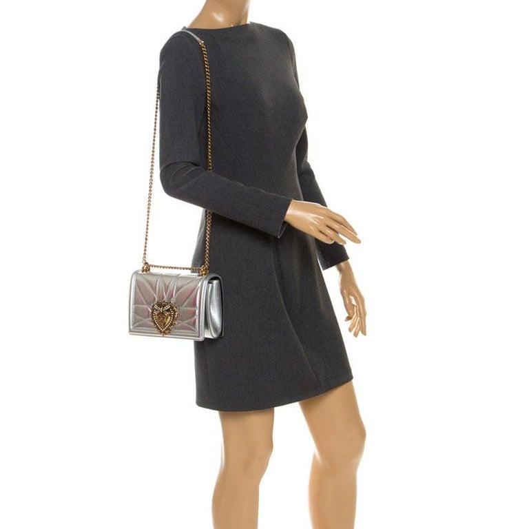 Dolce and Gabbana Metallic Silver Leather Medium Devotion Mordore Shoulder Bag In Good Condition In Dubai, Al Qouz 2