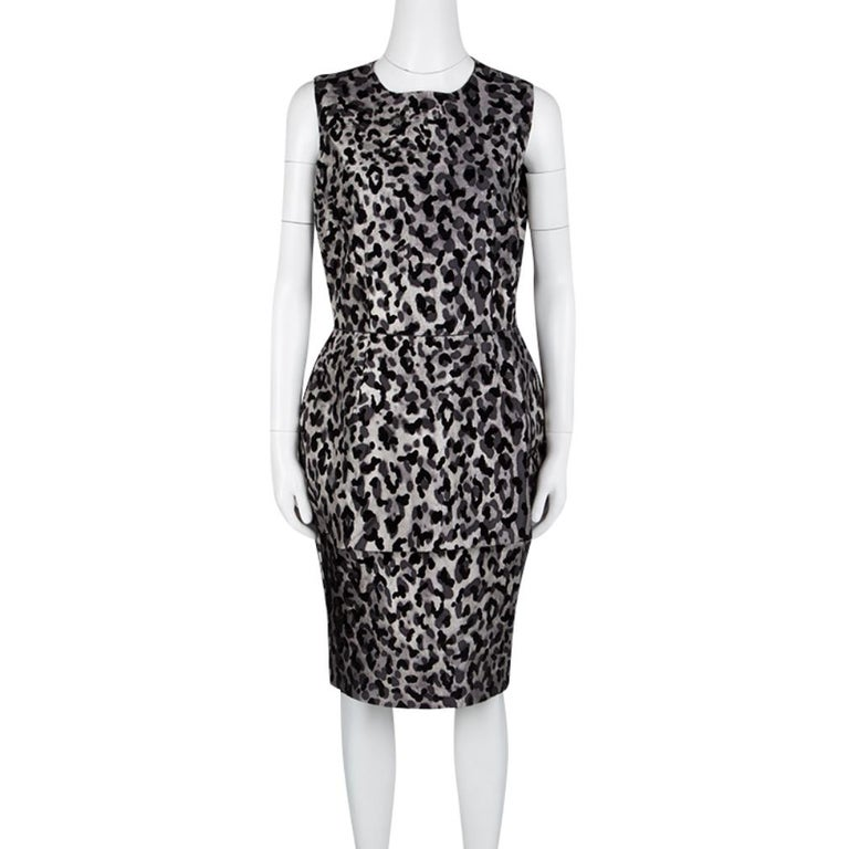 Dolce and Gabbana Monchrome Flock Animal Print Layered Sleeveless Dress L In Excellent Condition For Sale In Dubai, Al Qouz 2