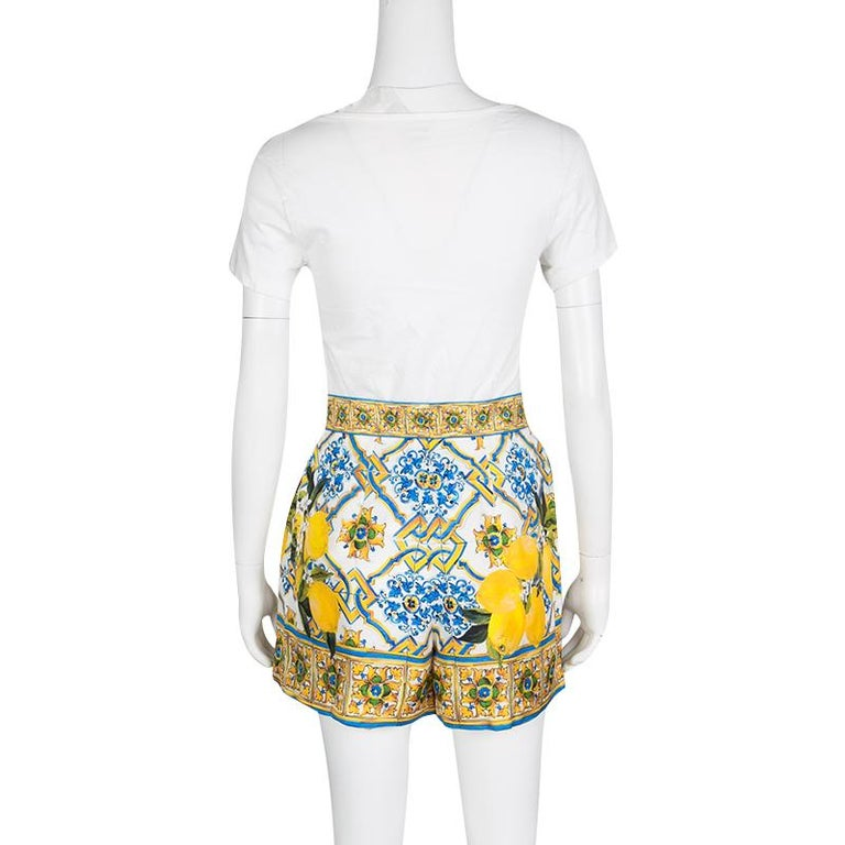Beige Dolce and Gabbana Multicolor Lemon Print Silk High Waist Shorts S For Sale