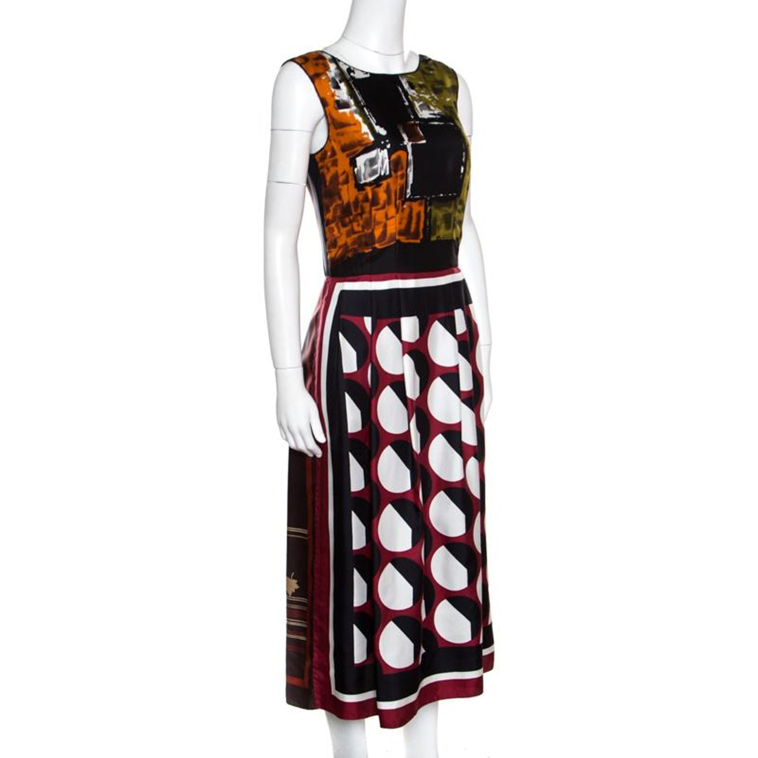 bf331975 Dolce and Gabbana Multilcolor Abstract Printed Silk Sleeveless Dress S For  Sale at 1stdibs