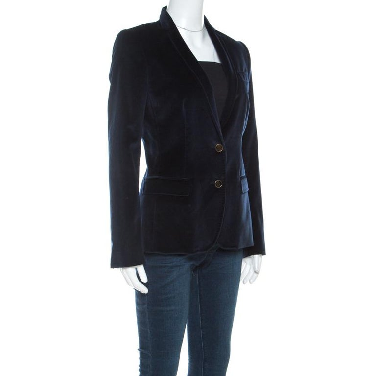 Dolce and Gabbana Navy Blue Velvet Notch Lapel Blazer S In Good Condition For Sale In Dubai, Al Qouz 2