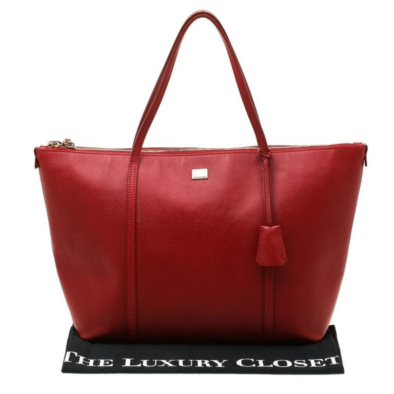 Dolce and Gabbana Red Leather Miss Escape Tote For Sale 7