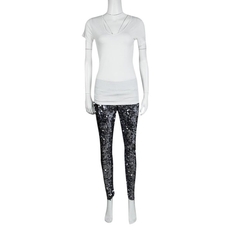 Dolce and Gabbana Silver Sequin Paillette Embellished Leggings M In Good Condition For Sale In Dubai, Al Qouz 2
