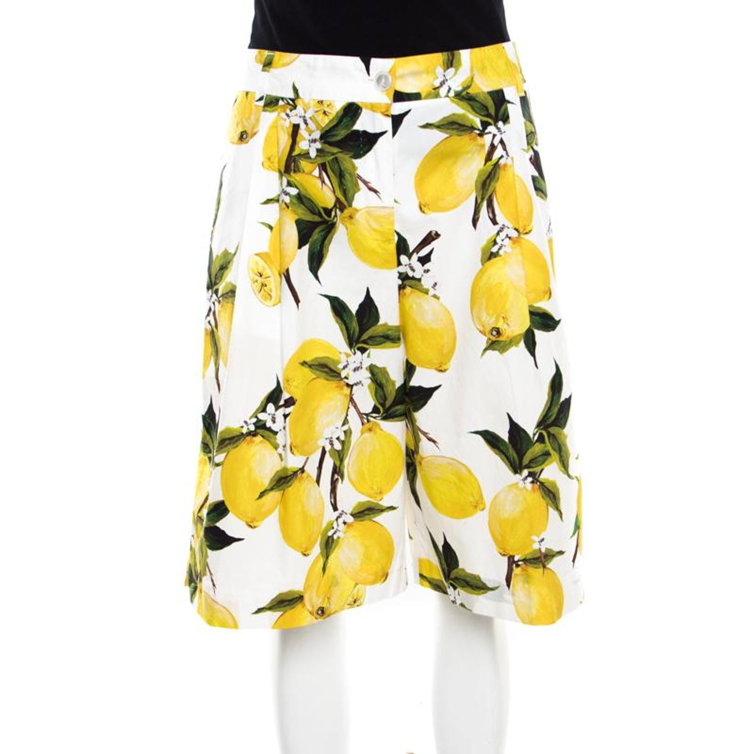 eff612393e55b Dolce and Gabbana White Lemon and Floral Printed Cotton Bermuda Shorts S  For Sale at 1stdibs