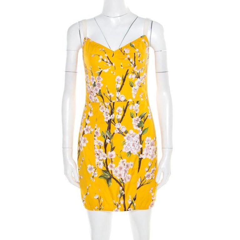 Dolce and Gabbana Yellow Almond Blossom Print Cotton Bustier Sheath Dress S In Good Condition For Sale In Dubai, Al Qouz 2