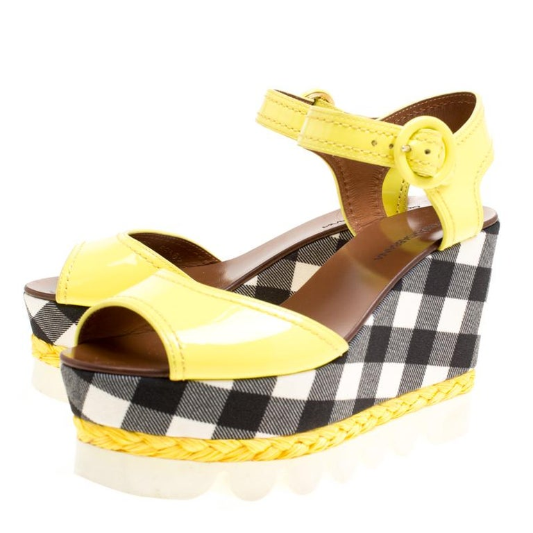Dolce and Gabbana Yellow Patent Leather Bubble Sole Sandals Size 38.5 For Sale 3