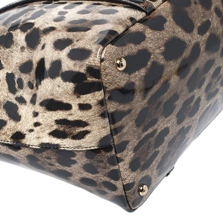 Dolce & Gabbana Black/Beige Leopard Print Patent Leather Miss Escape Tote For Sale 2