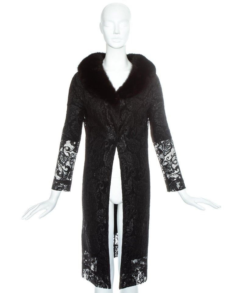 Dolce & Gabbana black lace evening coat with mink fur collar, fw 1997 In Excellent Condition For Sale In London, GB