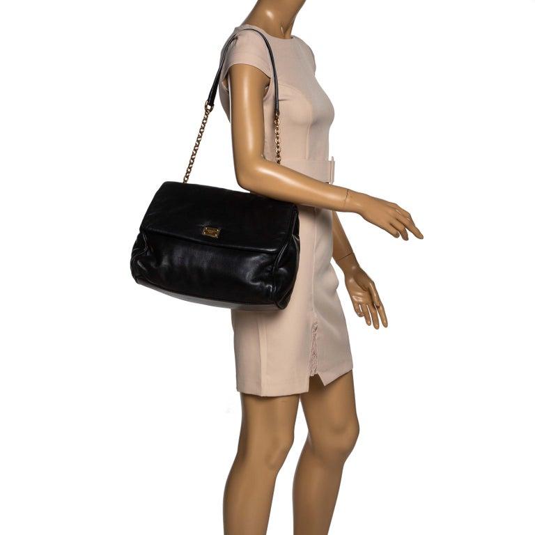 Dolce & Gabbana Black Leather Chain Shoulder Bags In Fair Condition For Sale In Dubai, Al Qouz 2