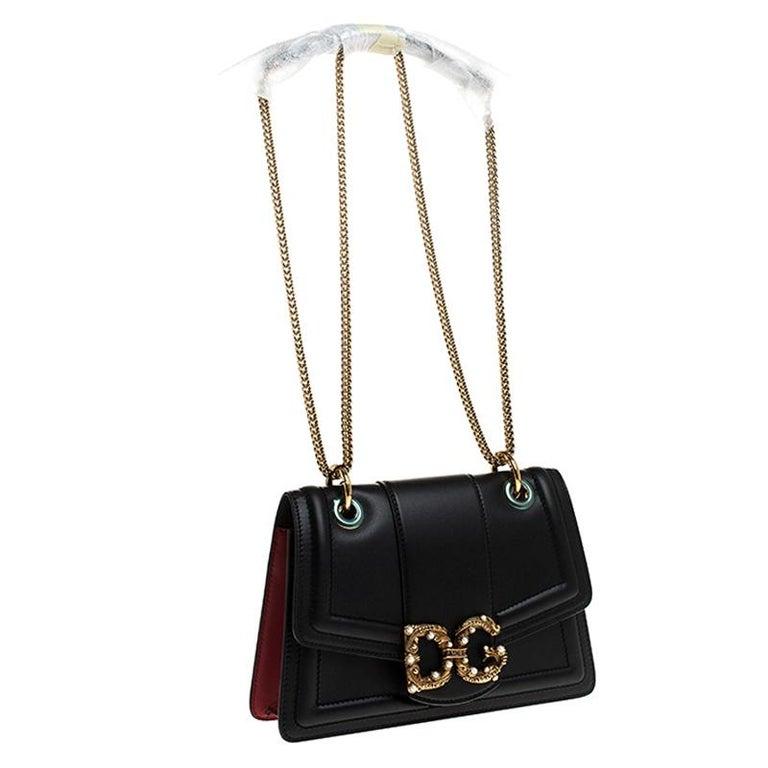 Dolce & Gabbana Black Leather DG Amore Chain Shoulder Bag In New Condition For Sale In Dubai, Al Qouz 2