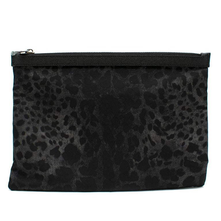 Dolce & Gabbana Black Leopard Print Pouch One size In New Condition For Sale In London, GB