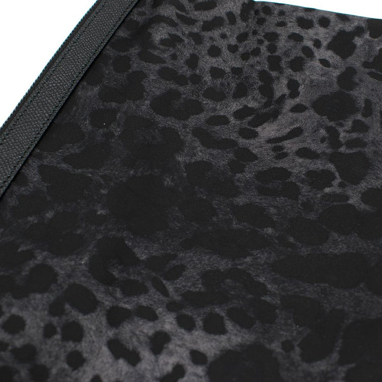 Dolce & Gabbana Black Leopard Print Pouch One size For Sale 2