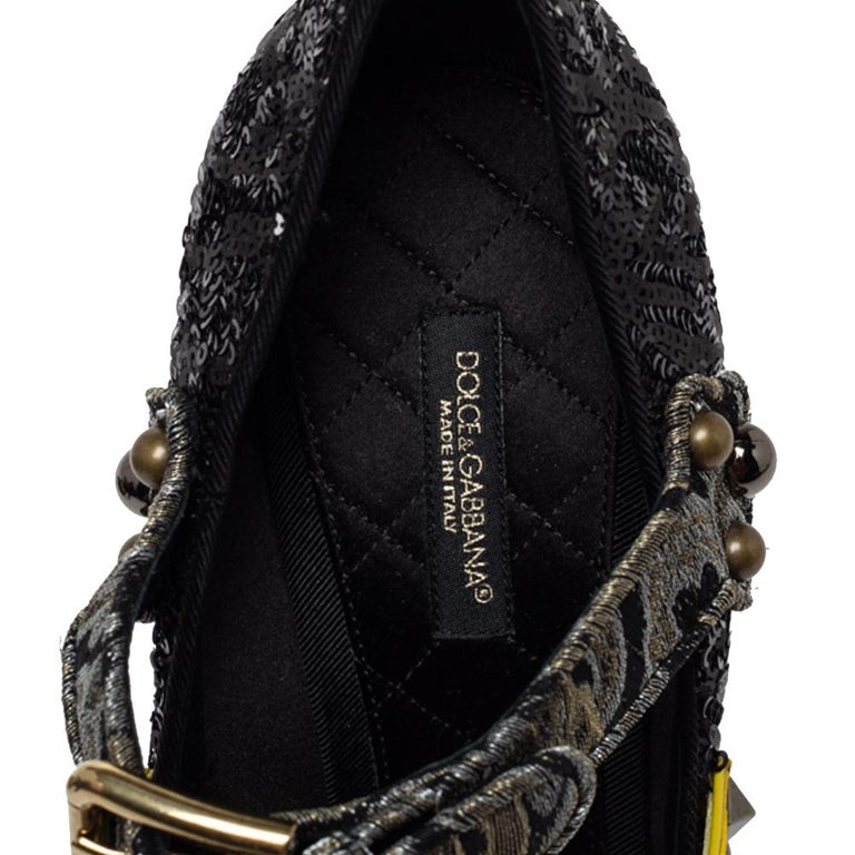 Dolce & Gabbana Black Mixed Media Crystal Embellished Mary Jane Pumps Size 39 For Sale 2