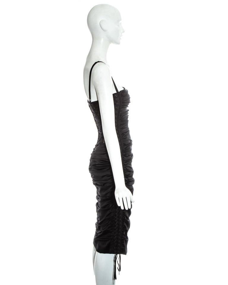 Dolce & Gabbana black ruched silk figure hugging lace up dress, ss 2003 For Sale 2
